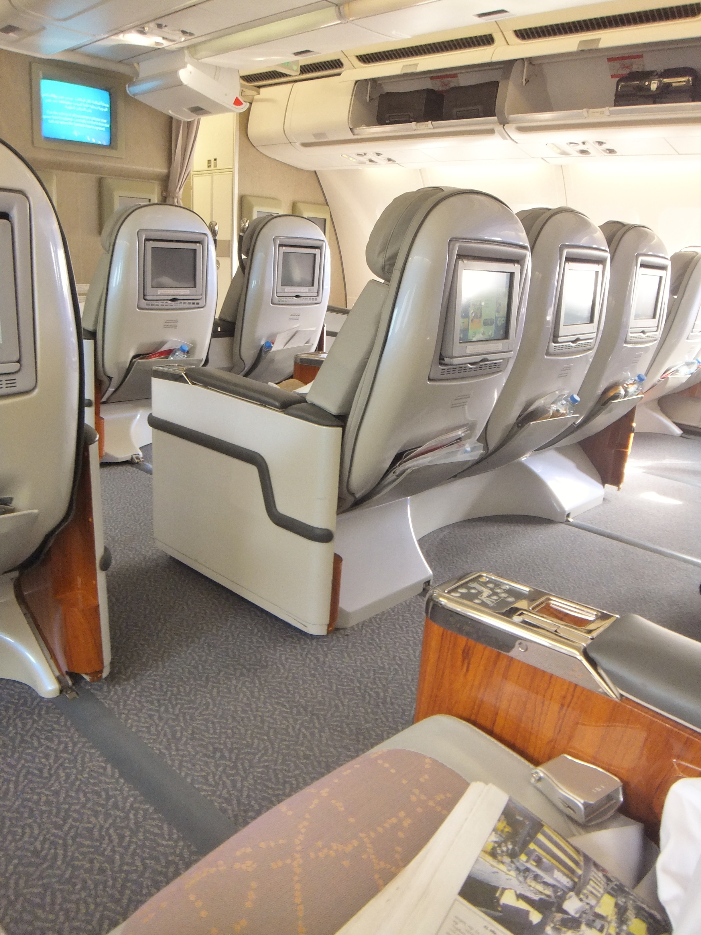 Seat Map Emirates Airbus A330 200 Three Class