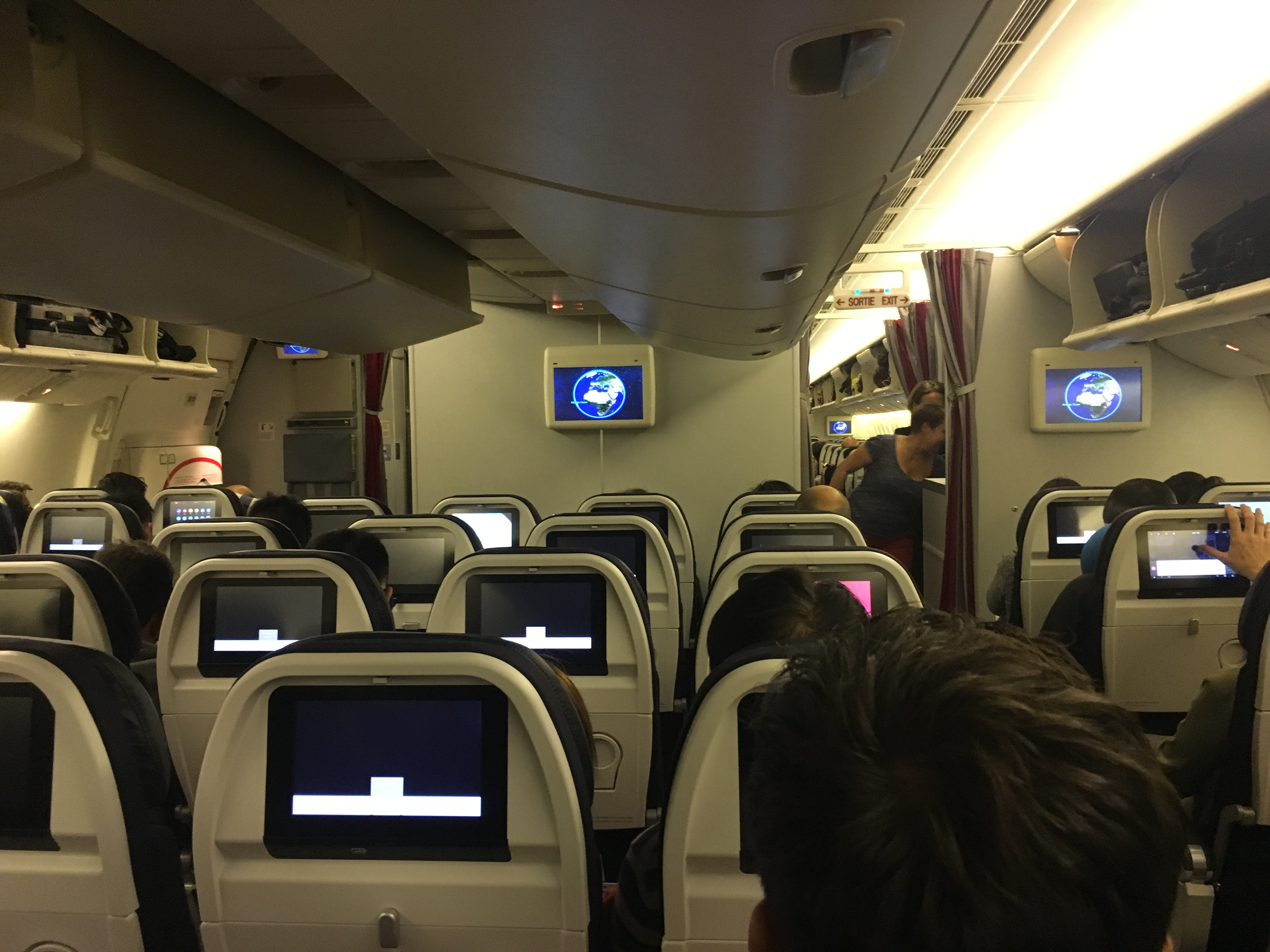 air france seat assignment Travel with extra leg room, be among the first passengers to exit the aircraft, enjoy the calm environment of a smaller cabin or reserve a seat with just one neighbor.